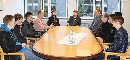 Teilnehmer mit Herrn Prof. Dr.Sebastian Thöne und Herrn OStR Guido Hayk