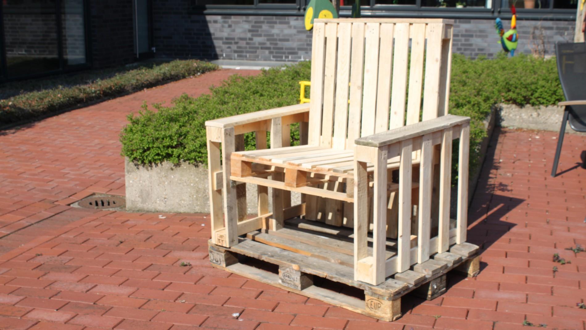 Erfolgserlebnis! Aus Paletten Möbel bauen. - BTA